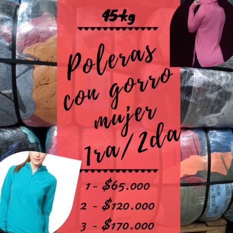 POLERA CON GORRO / HOODED T-SHIRT